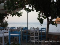 The coastal tavern with views of the castle of Rethymnon