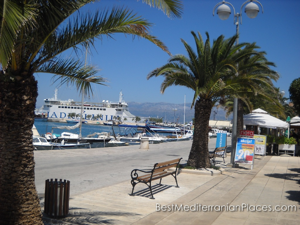 The ferry from Split and boats at the pier
