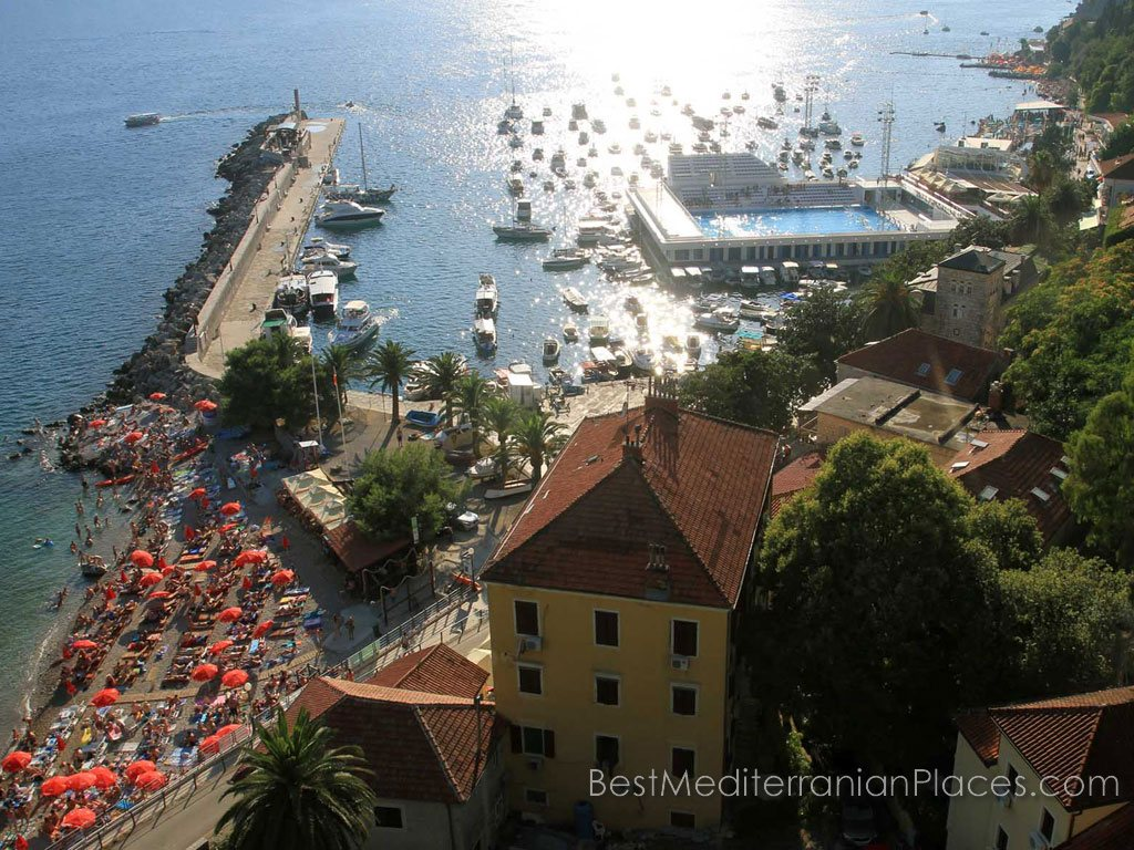 Panorama yachts and the town beach Herceg Novi, which opens with the height of the fortress