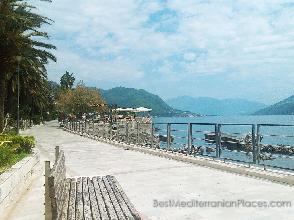 Start promenade of Herceg Novi, on which tourists like to walk in the evenings