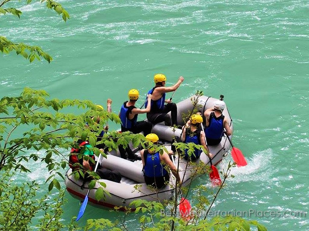 And fans of thrills, tourists in Herceg Novi, find their adventure rafting