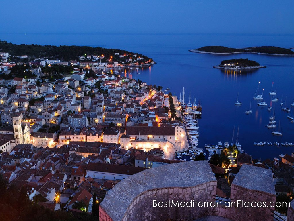 Spend your vacation in Croatia. The island of Hvar is waiting for you!