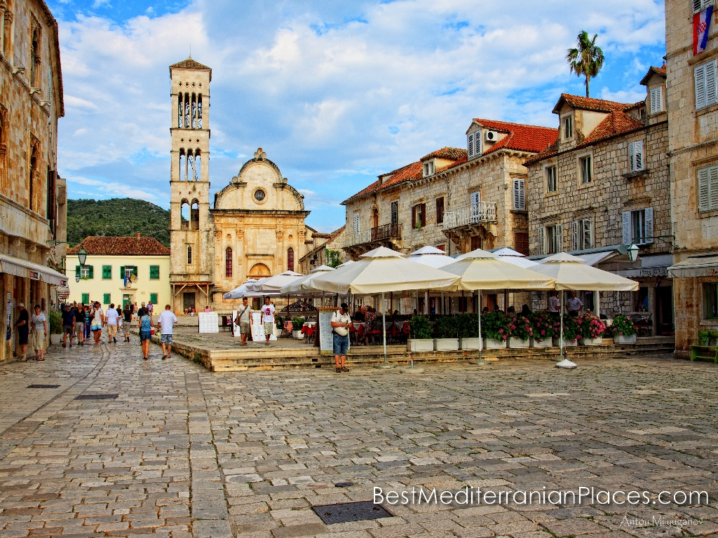 St Stephen's Square - a favorite place of tourists coming for tours in Hvar