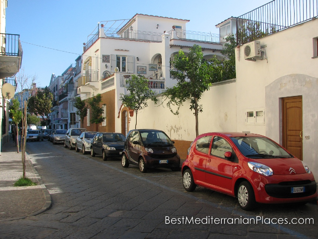 A quiet street of Ischia Ponte
