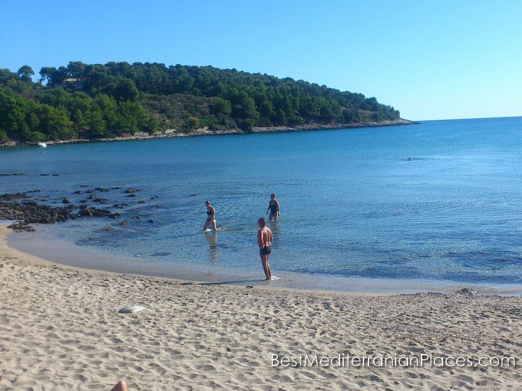 Come to Korcula, you will find a wonderful beach vacation