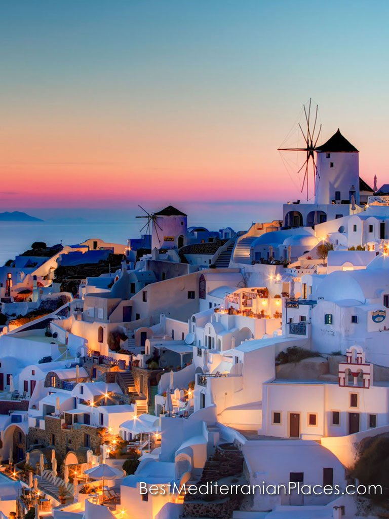 The unearthly beauty of Oia's sunsets