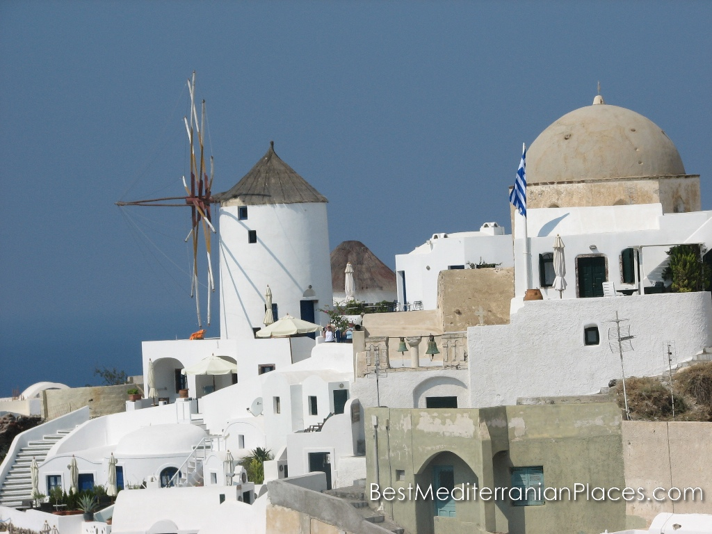 A classic view of Oia