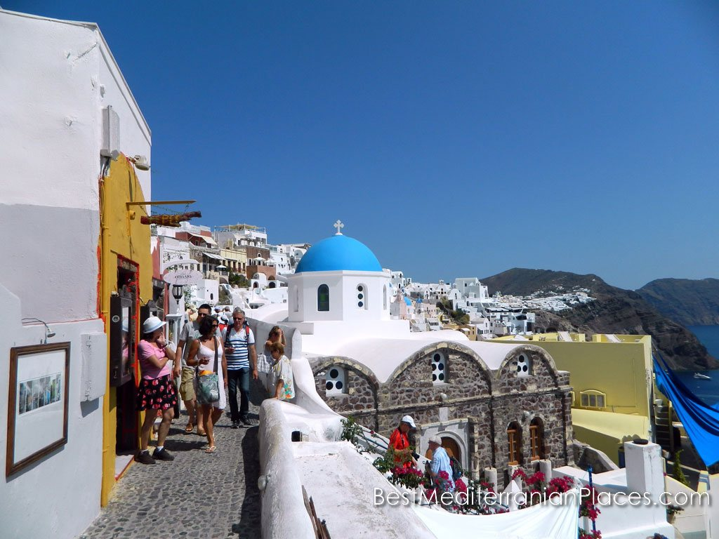The most popular church of Thira