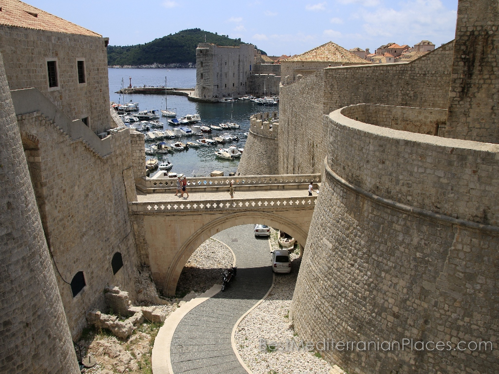 Do not you think of such images is breathtaking a desire to book a ticket to Dubrovnik?