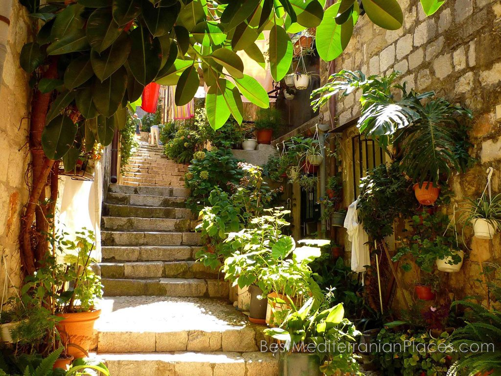 One of the steep streets of Dubrovnik